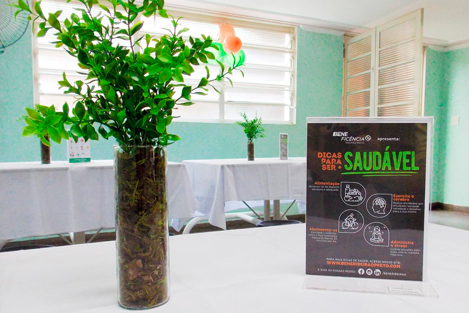"""Café encontro é marcado por presentes e início do projeto """"Qualidade de Vida""""."""